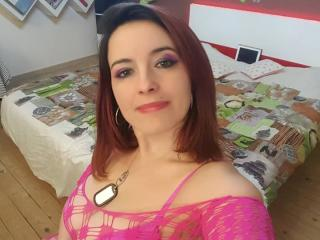 Picture of the sexy profile of FrancaiseKelly69, for a very hot webcam live show !