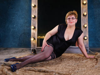 Photo de profil sexy du modèle LuvWins, pour un live show webcam très hot !