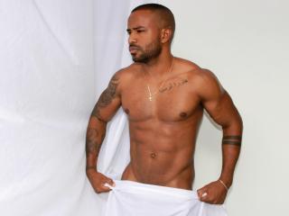 MarcelHugeCock模特的性感個人頭像,邀請您觀看熱辣勁爆的實時攝像表演!