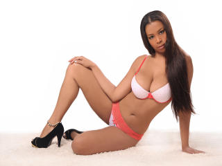 Photo de profil sexy du modèle WinnnySweett, pour un live show webcam très hot !