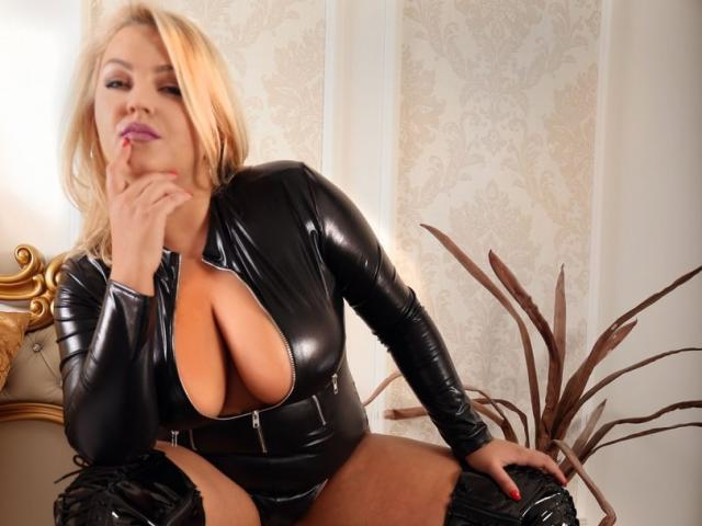 Picture of the sexy profile of AlexaLubov, for a very hot webcam live show !