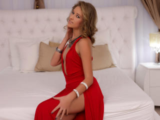 IrresistibleLove - 在XloveCam?欣賞性愛視頻和熱辣性感表演