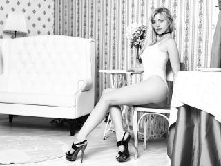 MiladyOne - 在XloveCam?欣赏性爱视频和热辣性感表演