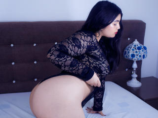 ValerieBabe - Chat live x with this dark hair Girl