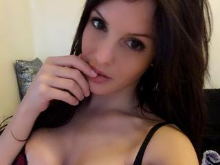 SloaneJust girl webcam model