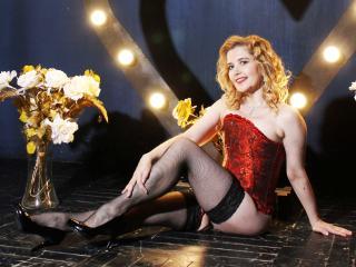 Hình ảnh đại diện sexy của người mẫu AmeliaBlanc để phục vụ một show webcam trực tuyến vô cùng nóng bỏng!