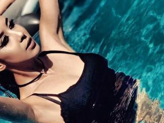 Model DirtyBombon'in seksi profil resmi, çok ateşli bir canlı webcam yayını sizi bekliyor!