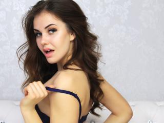 Foto de perfil sexy de la modelo EmilyRival, ¡disfruta de un show webcam muy caliente!