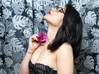 Picture of the sexy profile of EvyBlack, for a very hot webcam live show !