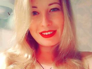 Foto van het sexy profiel van model FloraEvelin, voor een zeer geile live webcam show!