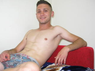 Picture of the sexy profile of GageGio, for a very hot webcam live show !