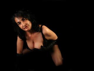 Velmi sexy fotografie sexy profilu modelky HotMadamForU pro live show s webovou kamerou!
