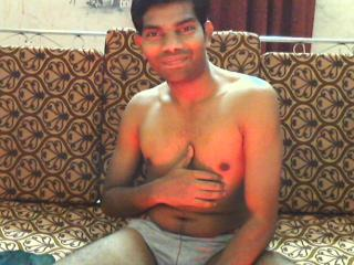 Picture of the sexy profile of IndianGuy, for a very hot webcam live show !