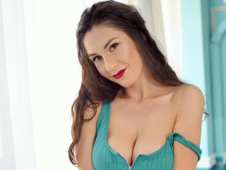 Model JullyeAnais'in seksi profil resmi, çok ateşli bir canlı webcam yayını sizi bekliyor!