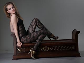 Photo de profil sexy du modèle KIRSTEN, pour un live show webcam très hot !
