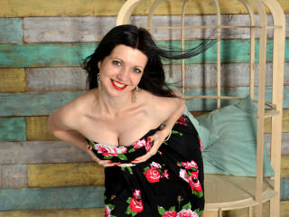 Hình ảnh đại diện sexy của người mẫu LesleySmilee để phục vụ một show webcam trực tuyến vô cùng nóng bỏng!