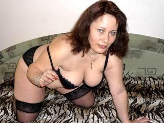 Picture of the sexy profile of LindaShows4U, for a very hot webcam live show !