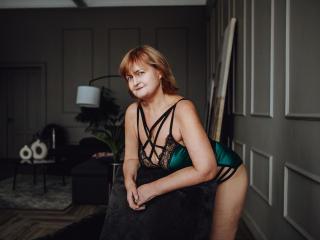Model Lycisia'in seksi profil resmi, çok ateşli bir canlı webcam yayını sizi bekliyor!