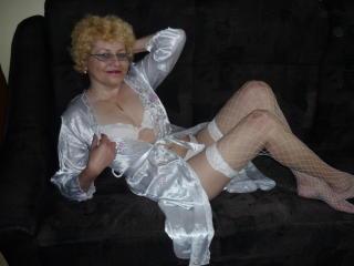 Foto de perfil sexy de la modelo MadameLoveCock, ¡disfruta de un show webcam muy caliente!
