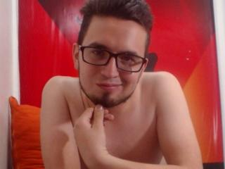 超ホットなウェブカムライブショーのためのチャットレディ、Mattiのセクシープロフィール写真