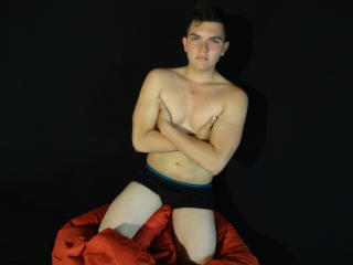 Picture of the sexy profile of MilanCuteSex, for a very hot webcam live show !