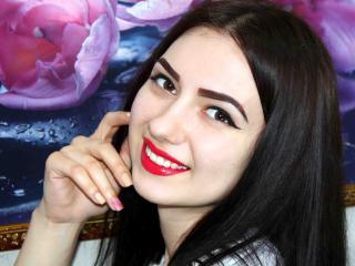 Model MissCapriceC'in seksi profil resmi, çok ateşli bir canlı webcam yayını sizi bekliyor!