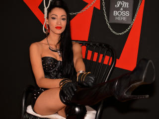 Picture of the sexy profile of RavenQueenX, for a very hot webcam live show !