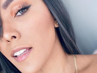 Foto de perfil sexy de la modelo saraahjones, ¡disfruta de un show webcam muy caliente!