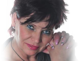 Hình ảnh đại diện sexy của người mẫu ScarletMature để phục vụ một show webcam trực tuyến vô cùng nóng bỏng!