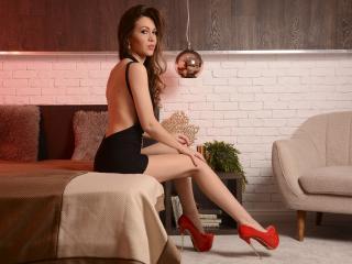 Model Selenia'in seksi profil resmi, çok ateşli bir canlı webcam yayını sizi bekliyor!