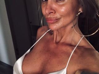 Foto de perfil sexy de la modelo SexyCynthyaX, ¡disfruta de un show webcam muy caliente!