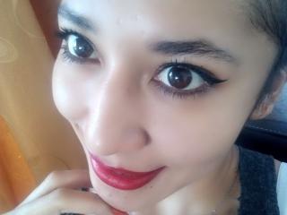 Foto de perfil sexy de la modelo VioletaLight, ¡disfruta de un show webcam muy caliente!