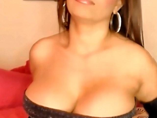 Picture of the sexy profile of Andressa, for a very hot webcam live show !