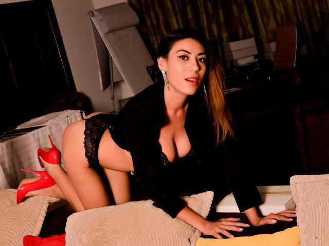 Picture of the sexy profile of ArnellaDuvalle, for a very hot webcam live show !