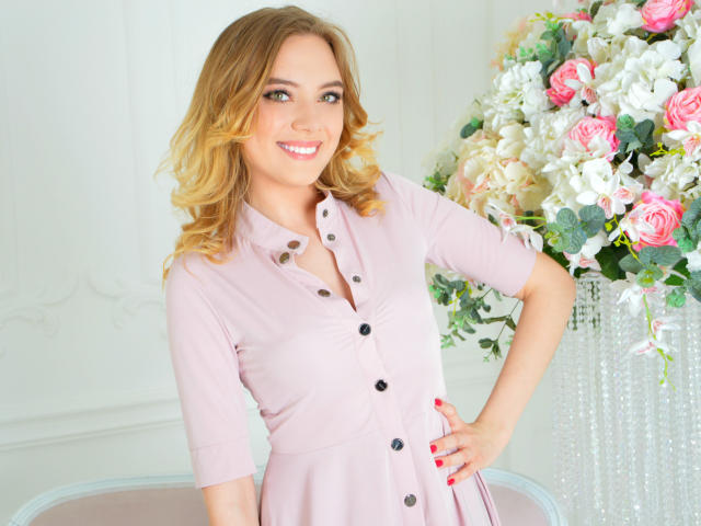 Foto de perfil sexy de la modelo DelicateTaste, ¡disfruta de un show webcam muy caliente!