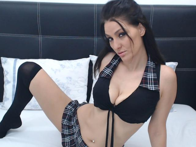 Photo de profil sexy du modèle JoliDanielle, pour un live show webcam très hot !