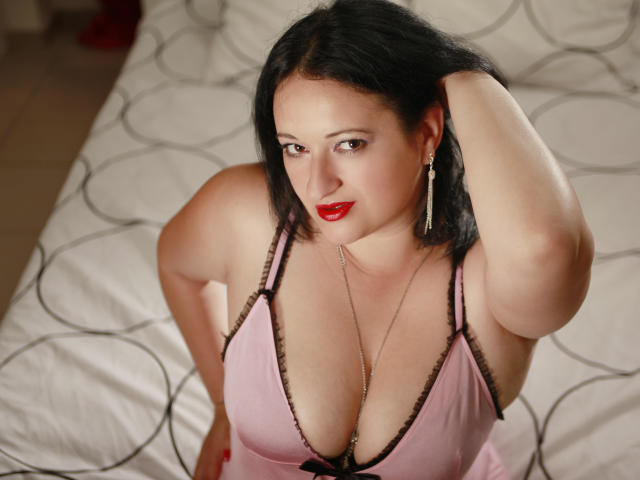 Picture of the sexy profile of LustyHeather, for a very hot webcam live show !