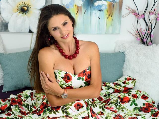 Model OlimpiyaS'in seksi profil resmi, çok ateşli bir canlı webcam yayını sizi bekliyor!