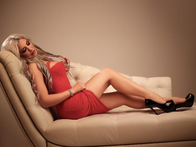 Foto de perfil sexy de la modelo PerfectSkye, ¡disfruta de un show webcam muy caliente!