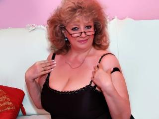 RoyalTits - Sexy live show with sex cam on XloveCam