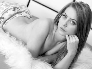 SensuallLips - Sexy live show with sex cam on XloveCam