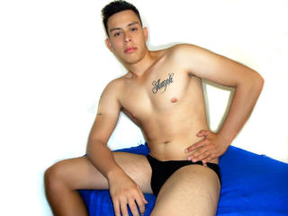 TonnyCastro - Sexy live show with sex cam on XloveCam