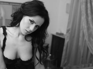 OneElegantGirl - Sexy live show with sex cam on XloveCam