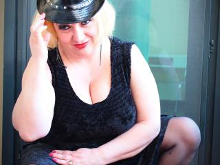 LadySonia - Sexy live show with sex cam on XloveCam