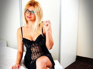 JolieAlenna - Sexy live show with sex cam on XloveCam