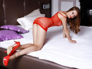 SandraSweetdream - Sexy live show with sex cam on XloveCam