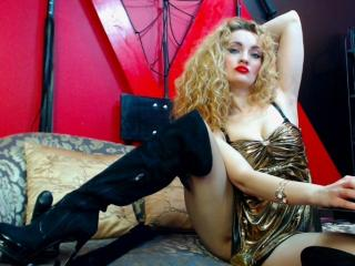 CarlyBanks - Sexy live show with sex cam on XloveCam