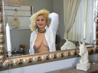 MatureErotic - Sexy live show with sex cam on XloveCam