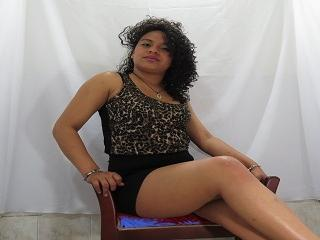 XLuisaX - Sexy live show with sex cam on XloveCam
