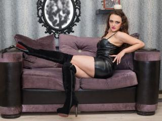 RoyallQueen - Sexy live show with sex cam on XloveCam